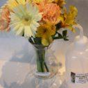 花瓶とセットの花束