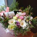 お花にワインをセット